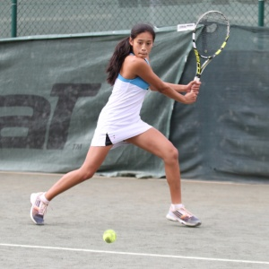 Kida tennis lessons Bradford